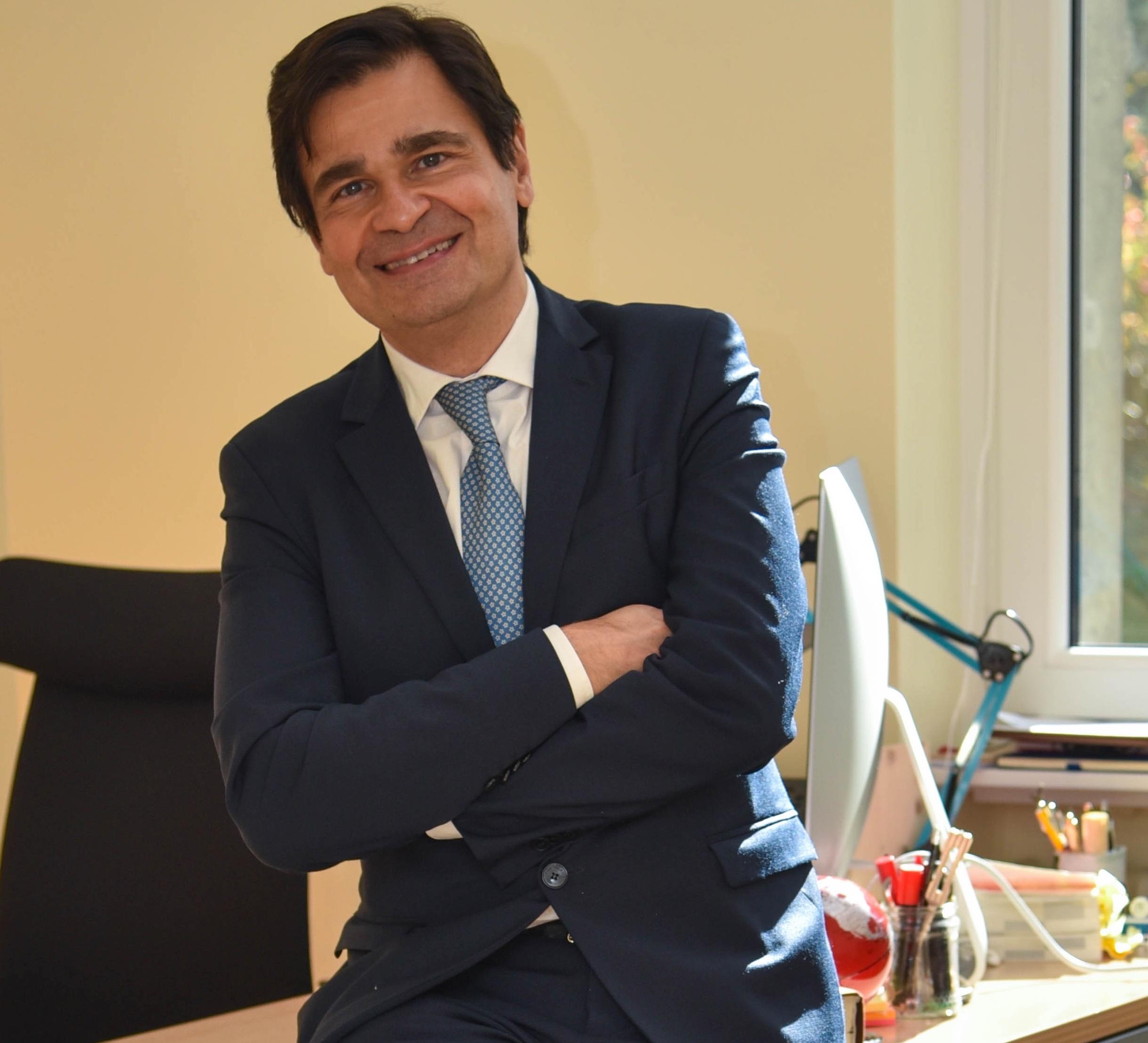 Avv. Mario Battaglia
